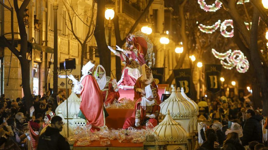 Los Reyes Magos llegarán en autobús a València pero sin recorrido definido