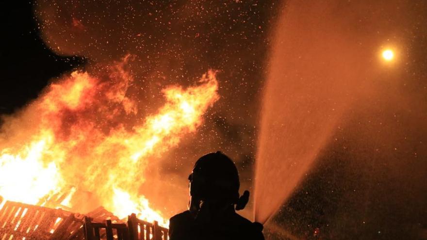 San Pedro 2019 | Hogueras de San Juan: fuego abrasador