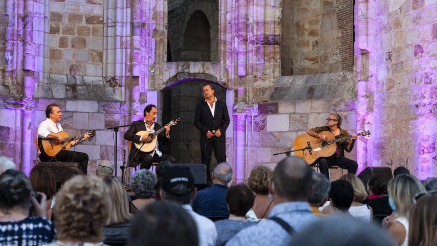 El Festival de Fados de Zamora arranca casi con la totalidad del aforo vendido