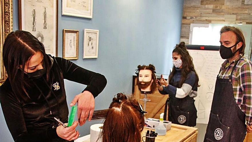 Barberos del siglo XXI, con la mejor formación
