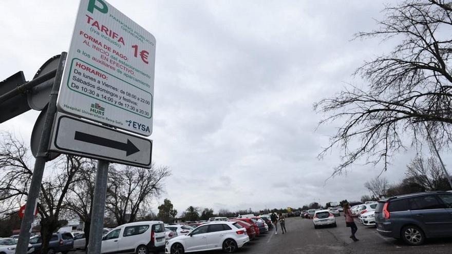 El parking del Reina Sofía mantiene la tarifa simbólica de un euro por el estacionamiento de vehículos