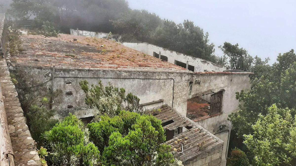 Estado actual del edificio situado cerca del Mirador de Pico del Inglés.