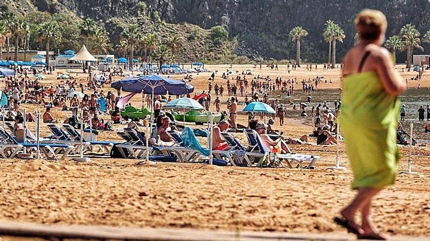 Panorámica de la playa de Las Teresitas.