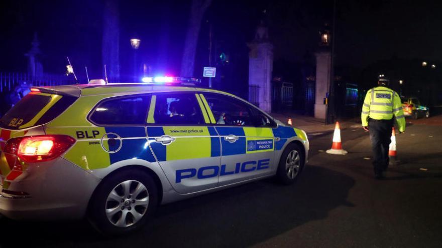 La Policía británica investiga la agresión en Buckingham
