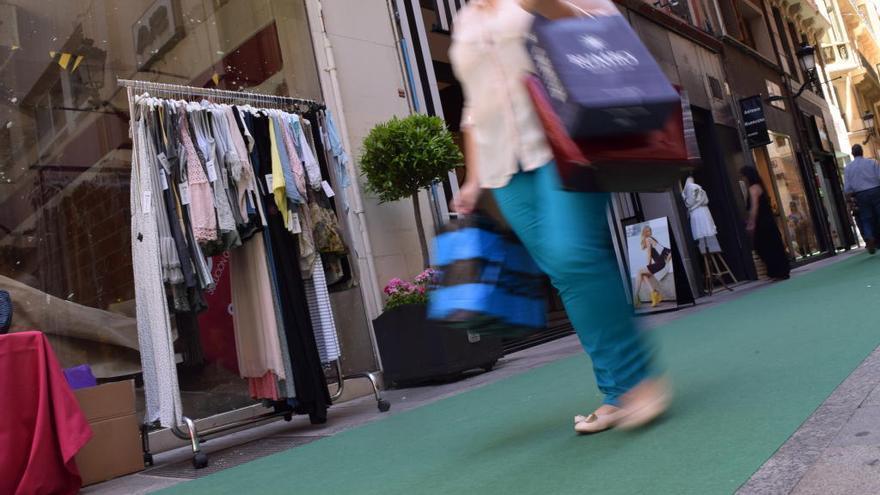 Los comercios del centro de Murcia podrán abrir cuatro domingos más