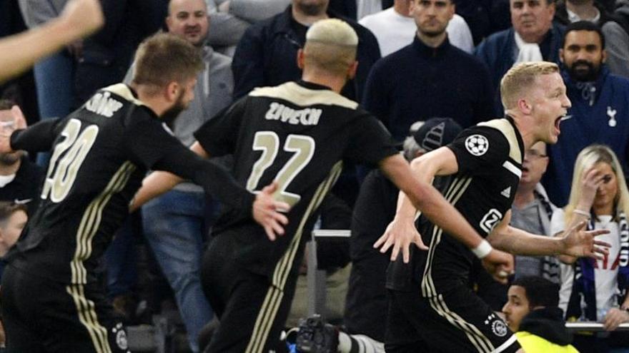 El Ajax supera al Tottenham y se acerca a la final