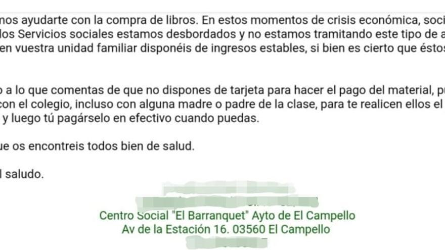 El área social de El Campello niega una ayuda a una madre para libros y le insta a recurrir a otros padres