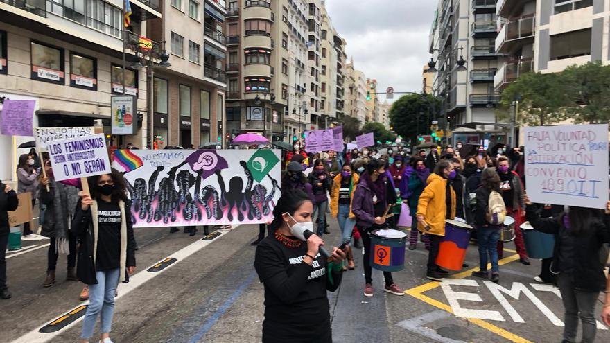 Concentración feminista por el 8M en València