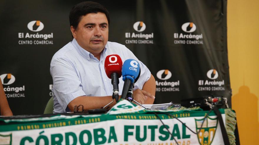 """García Román: """"El objetivo es superar los dos mil abonados de la primera campaña"""""""
