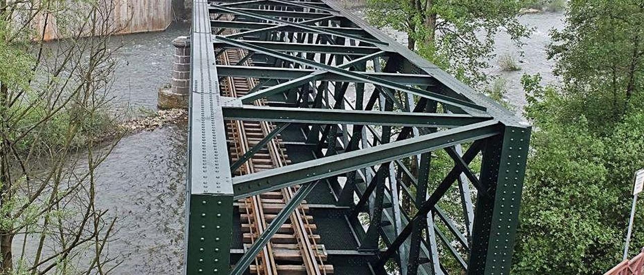 El puente de Mieres, tras su reforma.