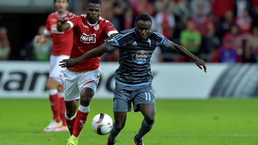 El Sporting logra la cesión del lateral izquierdo nigeriano Elderson