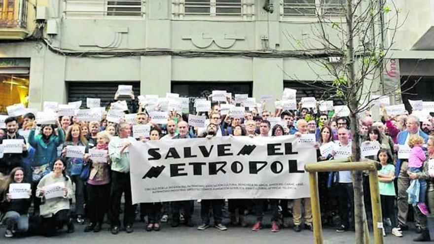 Urbanismo se resiste a proteger el Metropol e insta a la conselleria a tomar esa decisión por sí misma
