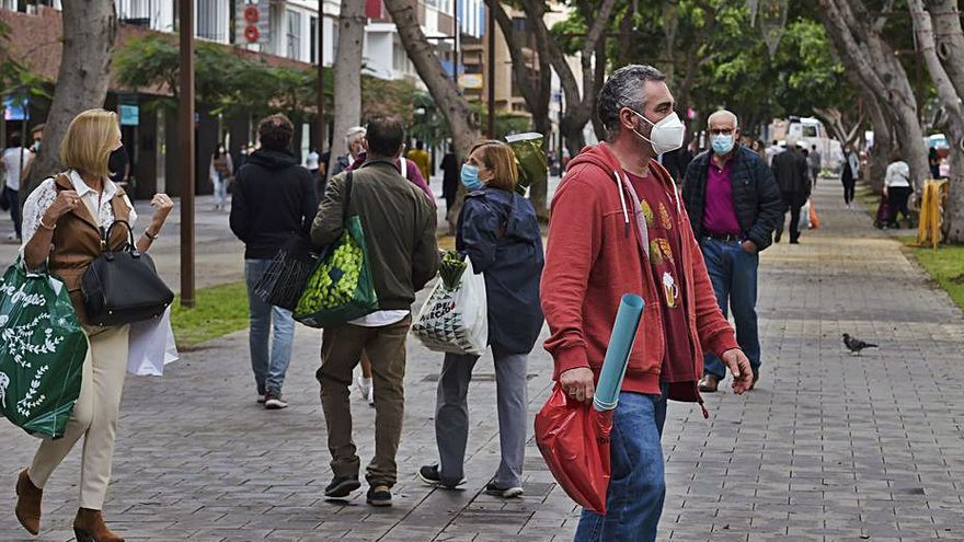 Canarias suma seis fallecidos y 242 positivos por covid en las últimas 24 horas