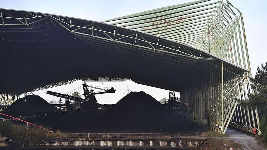 La Xunta propone conservar la nave de carbón de la central de Cerceda por su interés arquitectónico