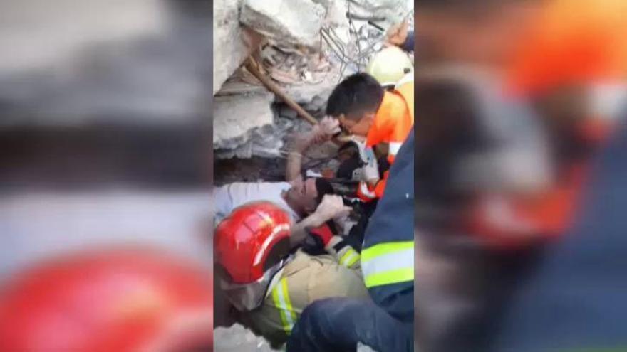 Terremoto en Albania: sobrevive tras pasar 72 horas bajo los escombros
