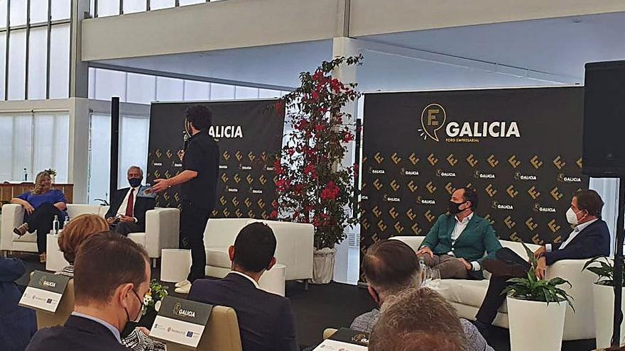 Más de un centenar de empresarios comparten experiencias en Vilagarcía