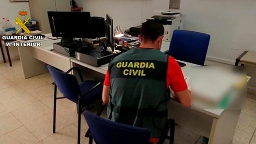 Investigan a 36 cordobeses por comprar falsos certificados de cursos para una oposición de bomberos