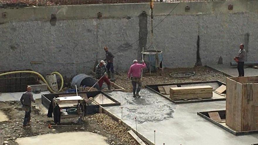 La Cerdanya atura les obres grans amb el risc de deixar cases a mig fer