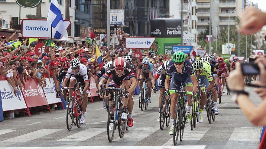 Gandia quiere que la etapa de la Vuelta a España del 20 de agosto salga desde la playa