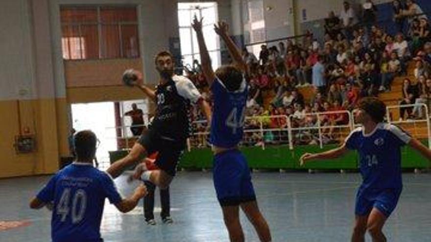 El Cajasur derrota al ARS en el derbi juvenil