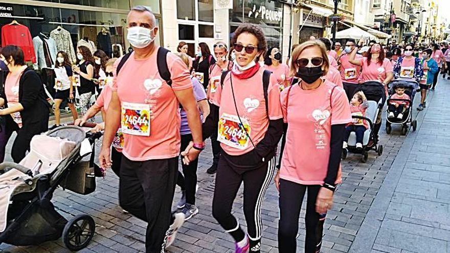 Gandia Más de 2.500 participantes y 9.220 euros de solidaridad en la RunCáncer