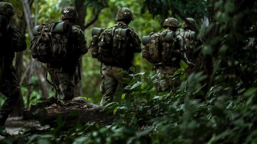 Un militar colombiano fallece y varios más quedan heridos en un ataque con explosivos