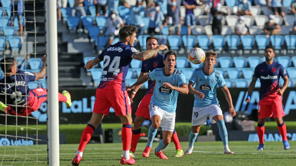 Fontán, junto a Solari, en el partido contra el Atlético.