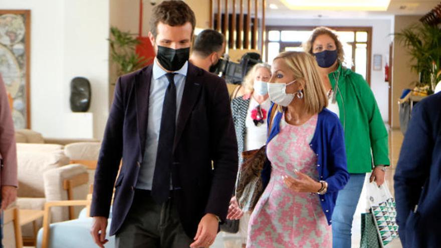"""El PP presenta el """"Plan Casado"""" como """"la única esperanza"""" del turismo canario"""