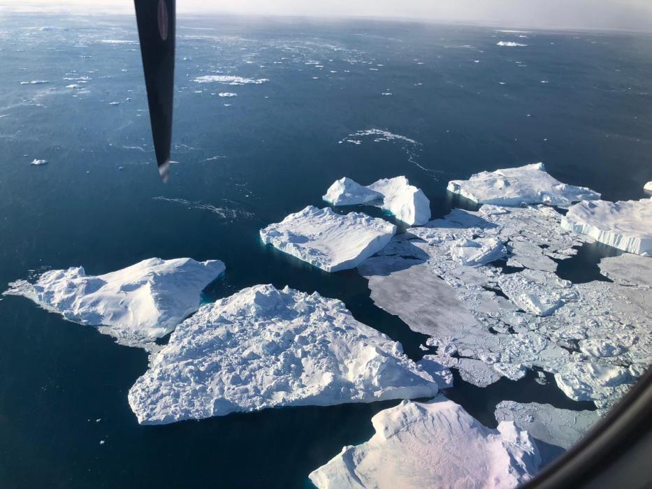 En el segundo día, Manuel Calvo pone pie en Illulissat, Groenlandia