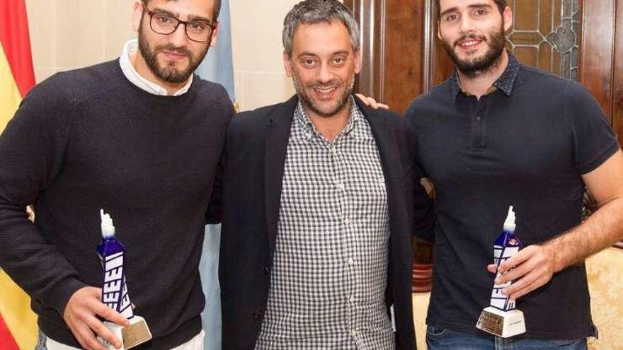 Eduard Lamas y Xavi Malián, recibidos en el Ayuntamiento