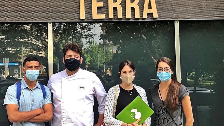 Els alumnes del curs d'hostaleria arranquen les pràctiques en restaurants