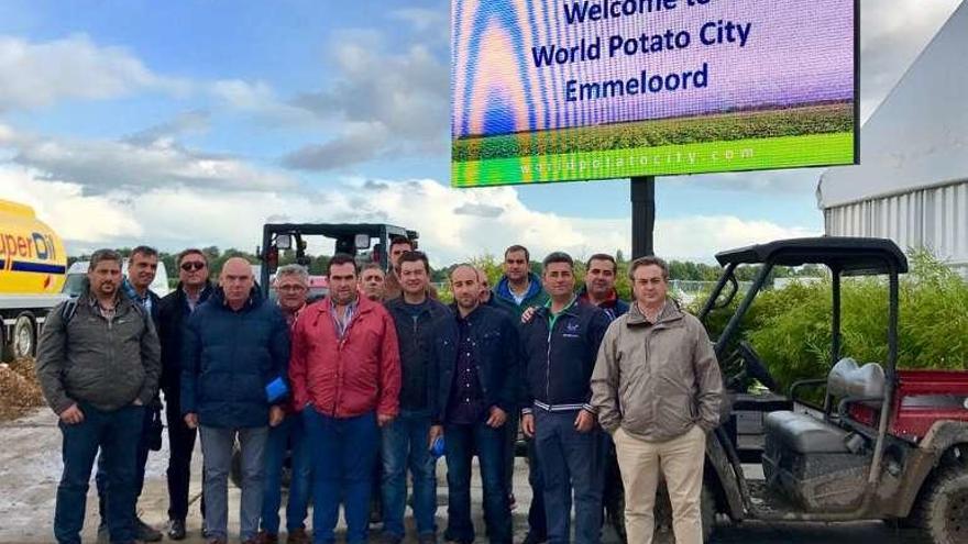 Agricultores de A Limia realizan una visita profesional a fábricas holandesas