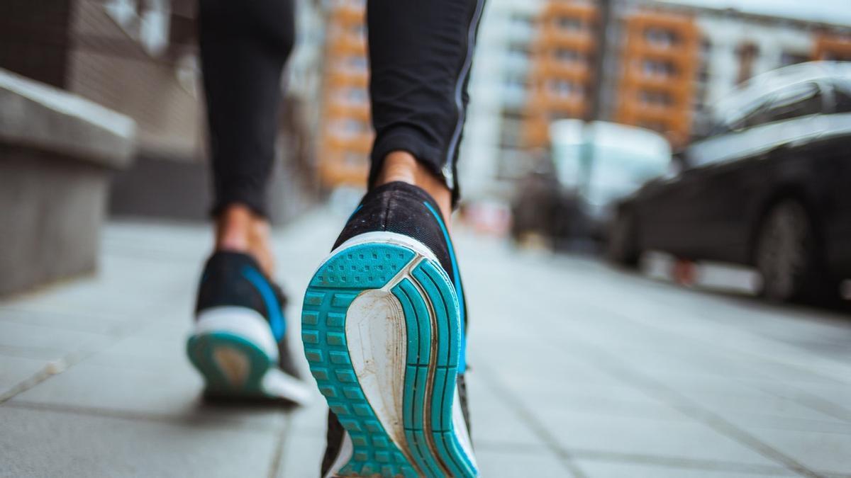 Caminar es una técnica idónea para adelgazar.