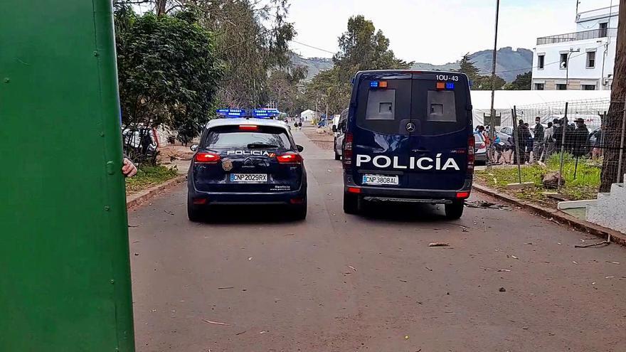Detenido por amenazas a vigilantes y personal de la ONG Accem en Las Raíces