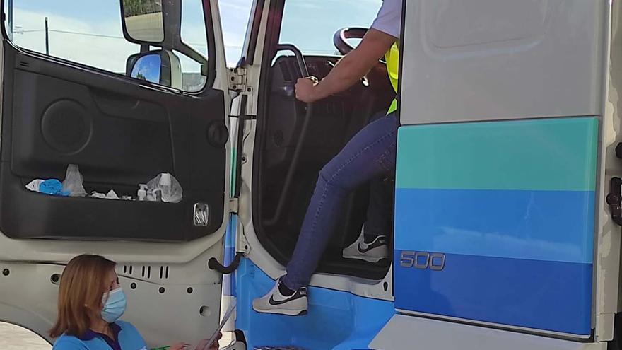 Vacunan contra el covid en Aguilar a camioneros de rutas nacionales e internacionales