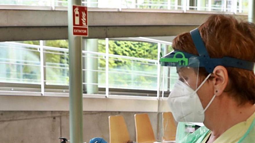 Galicia registra un ligero repunte de contagios y de infectados por COVID