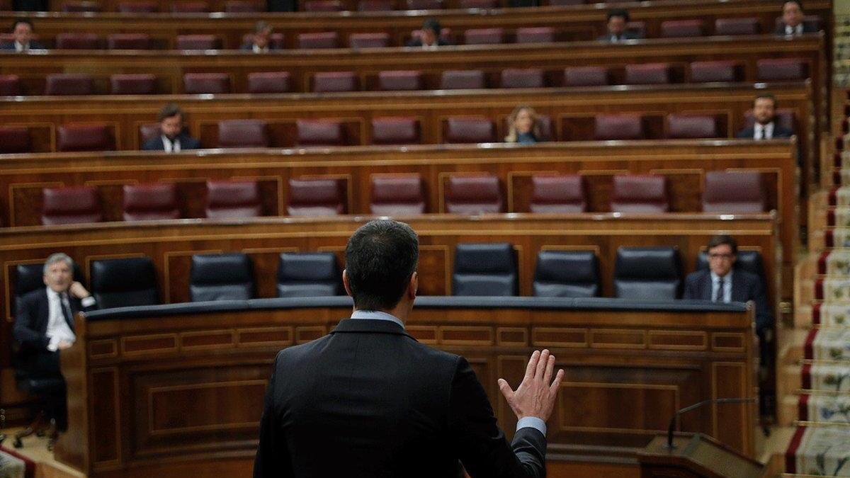 Pedro Sánchez salva la prórroga pero agrieta la mayoría de izquierdas.