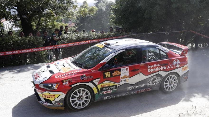Víctor Senra gana el Rallye Rías Baixas
