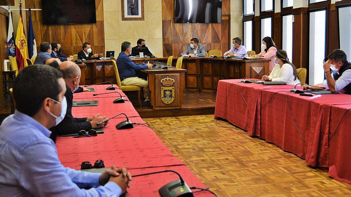 Reunión del Plan de Cooperación y Servicios en el Cabildo. | | E.D.