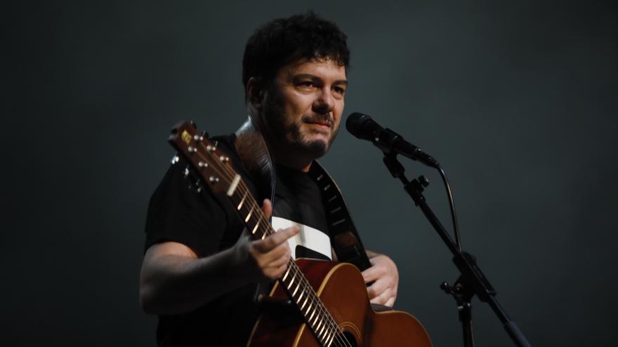 """Fran Juesas, actúa en """"Luanco al Mar"""": """"Dar un concierto es como montar en avión, al principio te asusta"""""""