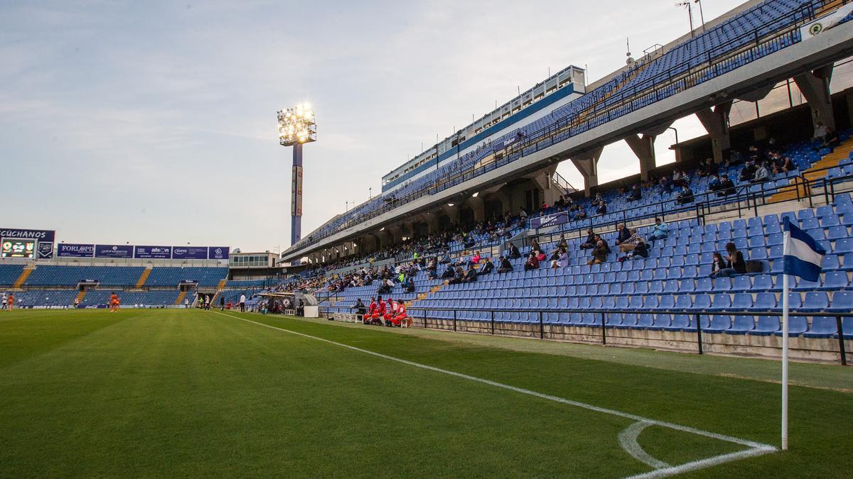 Aspecto del Rico Pérez en el primer partido del curso el pasado 25 de octubre ante el Atzeneta (2-1).