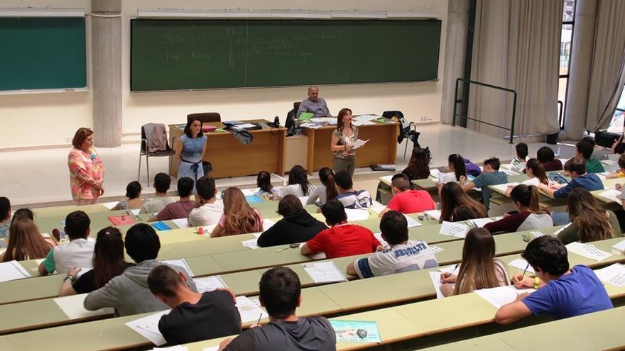 El 75% de los estudiantes asturianos supera la EBAU en julio