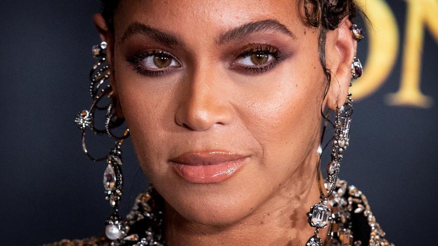 """""""Descansa en poder"""": Beyoncé repudia el asesinato de Samuel"""