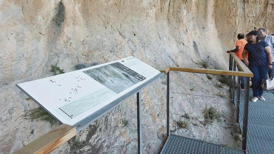 Bellús: La Prehistoria a través de la Cova de la Petxina