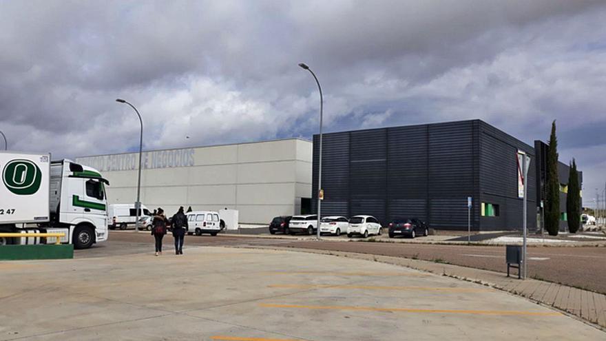 El Centro de Negocios de Benavente se prepara como posible centro de vacunación masiva