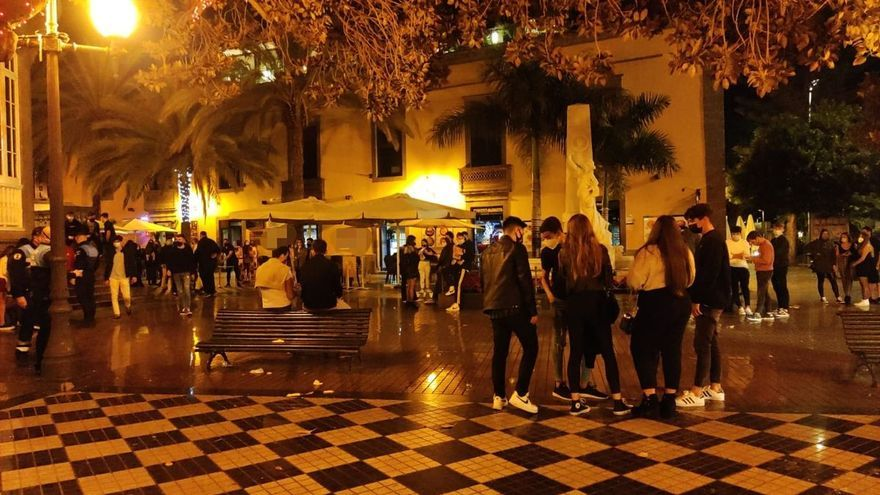 Canarias, a la espera de la decisión del Supremo para establecer el toque de queda