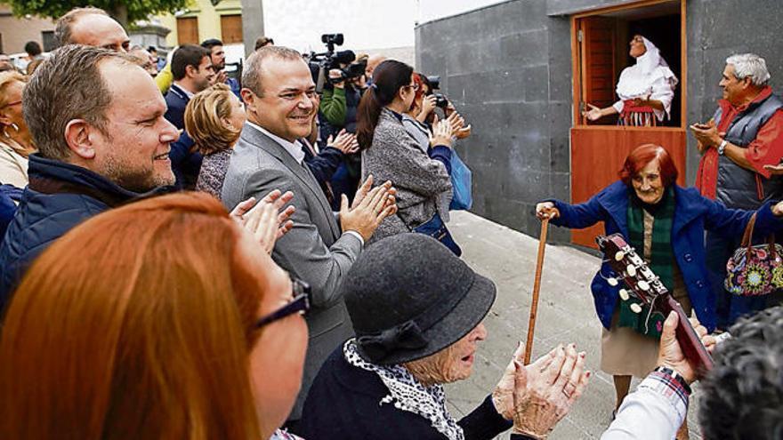 San Nicolás se enrala con el local social