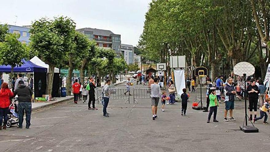Pequeños deportistas toman la calle en Cambre