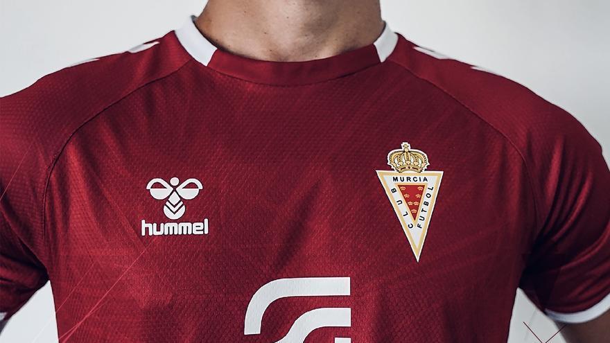 El Real Murcia desvela su nueva camiseta