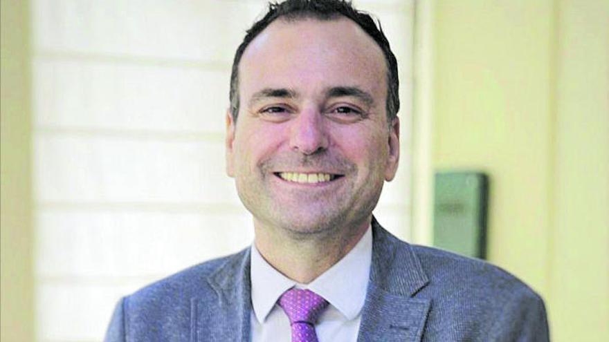 """Raúl García Pascual: """"La industria precisa solidaridad del resto de sectores para crecer"""""""